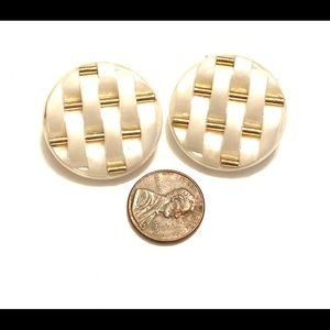 Vintage Jewelry - White gold clip on earrings vintage